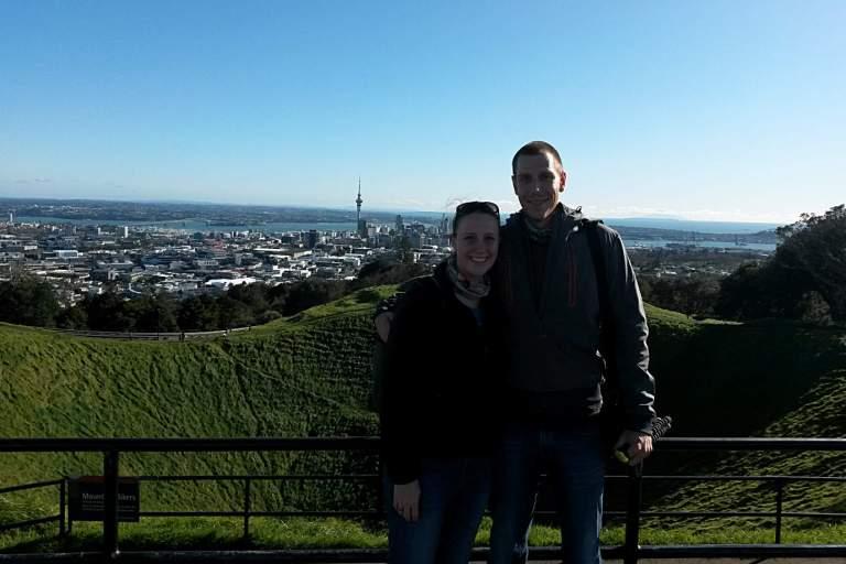 Franzi und Jonas auf Mt Eden - und es ist sonnig! :)