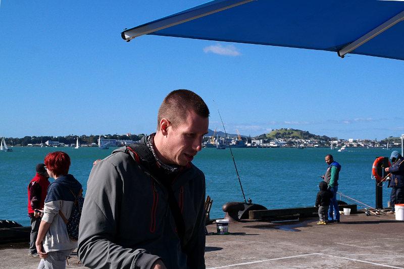 Jonas am Hafen Auckland