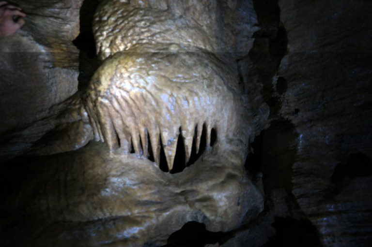 abbey_caves_02