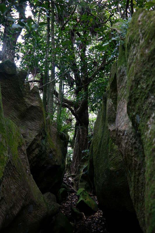 abbey_caves_felsen_02