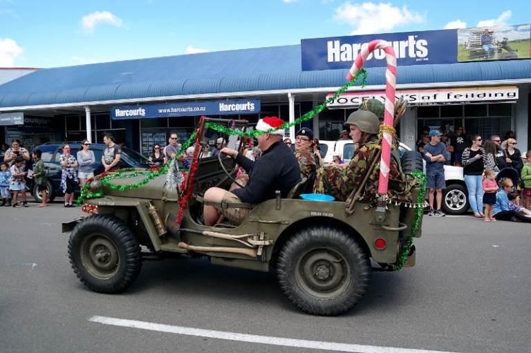christmas_parade_02