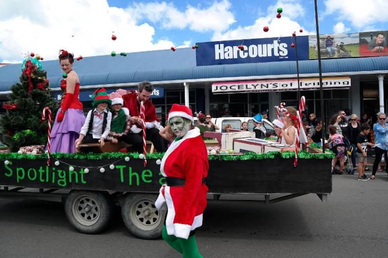 christmas_parade_07
