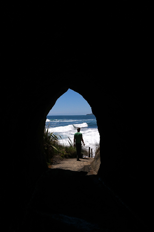 tunnel_beach_02