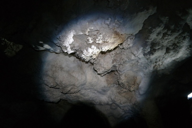 cave_track_02