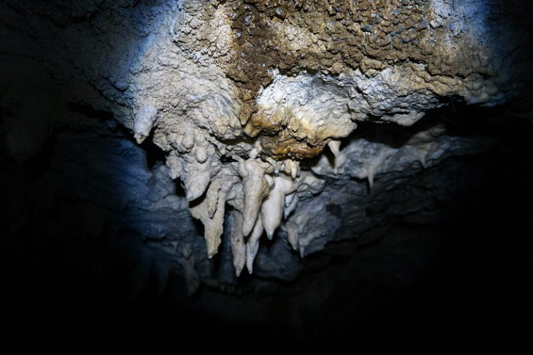 cave_track_12