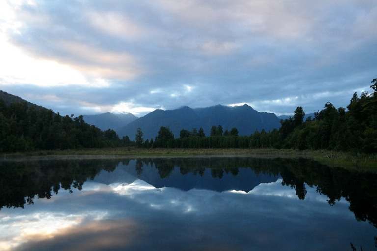 mirror_lake_matheson_03