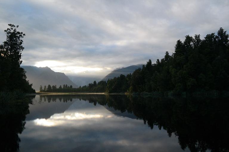 mirror_lake_matheson_09