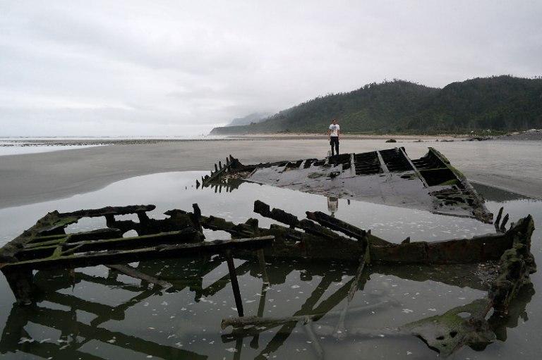 westcoast_shipwreck_02