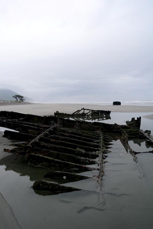 westcoast_shipwreck_03