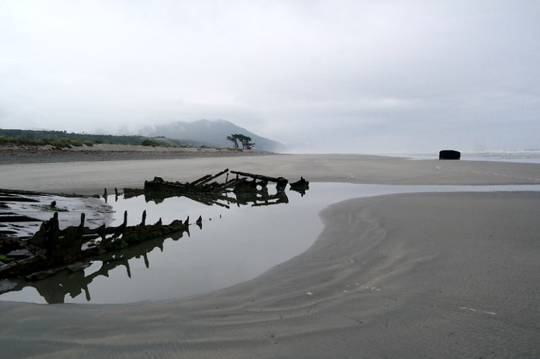 westcoast_shipwreck_05