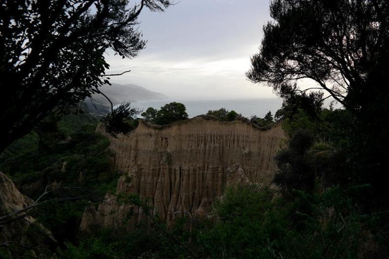 pinnacles_on_the_way_to_Kaikoura_02
