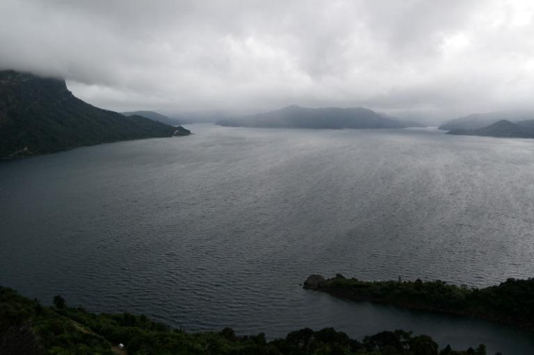 lake_waikaremoana_11