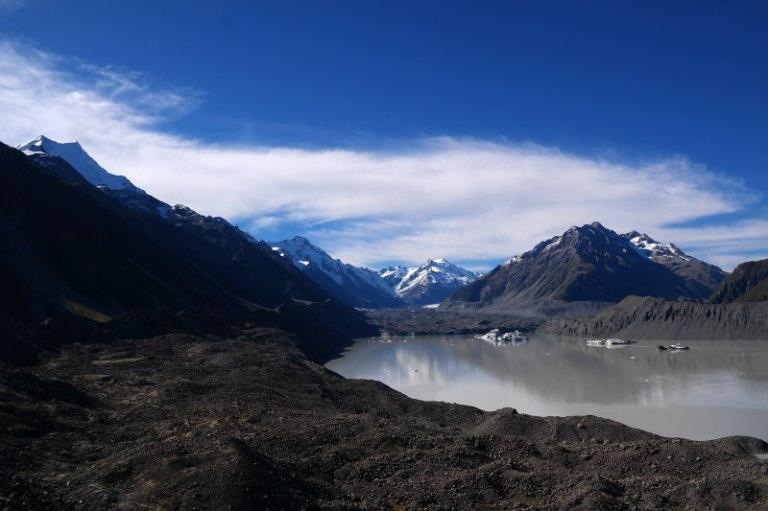Mt Cook, Mt Tasman, Tasman Gletscher leer, ohne Mensch