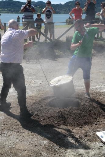 Kochen in der heißen Erde