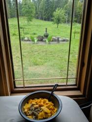 Frühstück und Warten auf den Bär