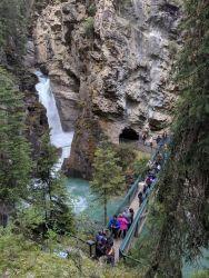 Johnston Canyon - erster Wasserfall