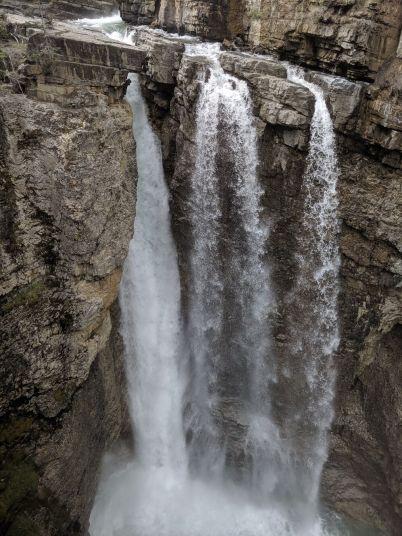 Johnston Canyon - zweiter Wasserfall (offiziell) von oben