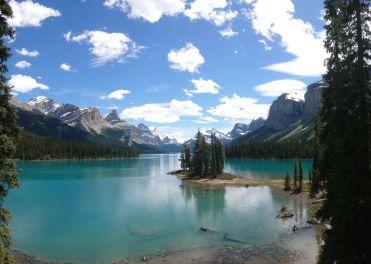Maligne Lake - Spirit Island