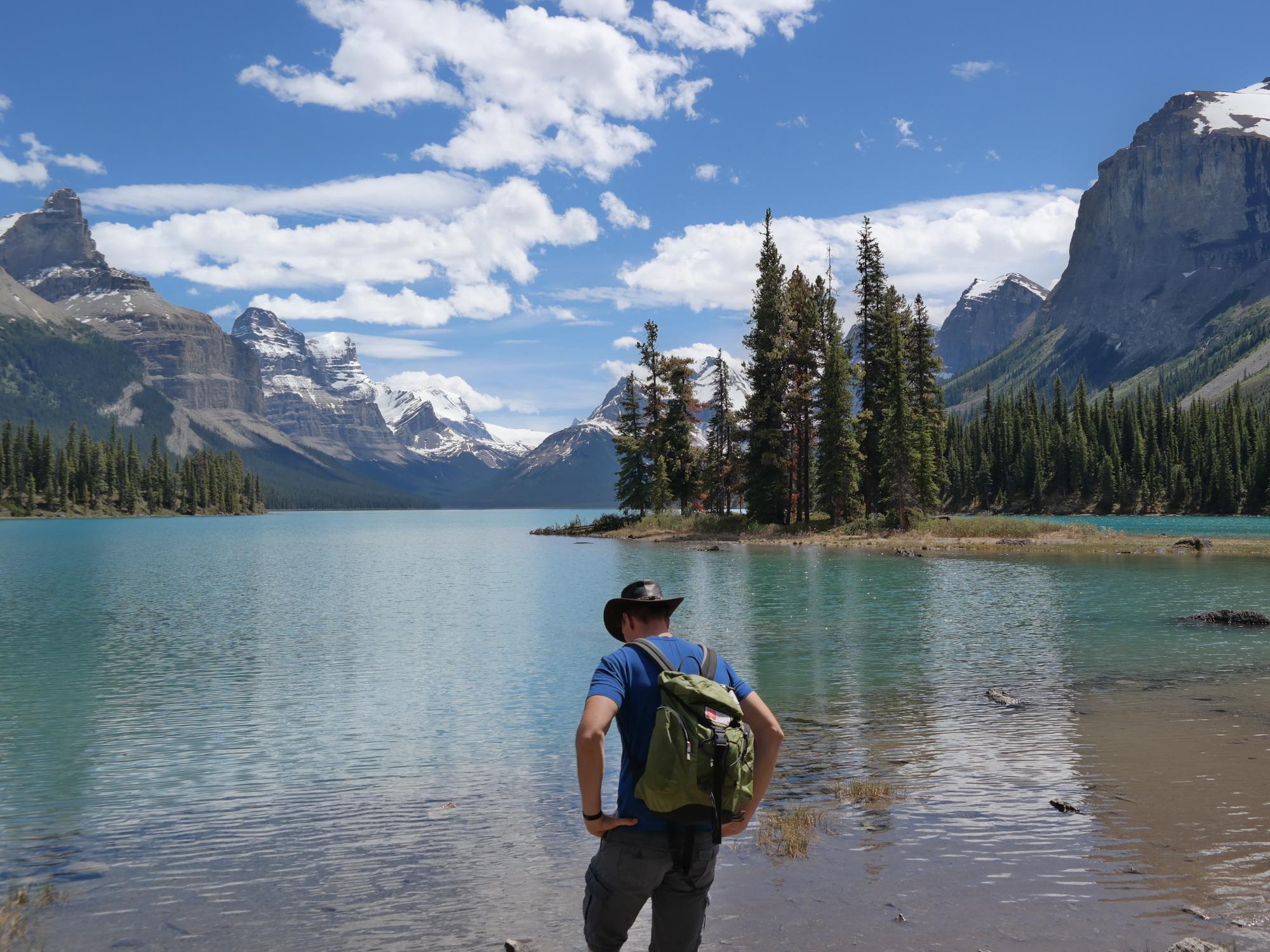 Jonas am Maligne Lake in Jasper